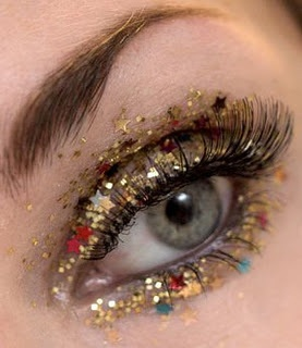 gold glitter eye makeup for new year's eve.