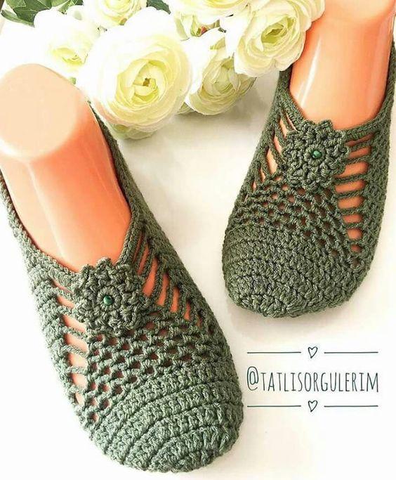 Следочки или носочки? Идеи и схемы собрала в интернете :)