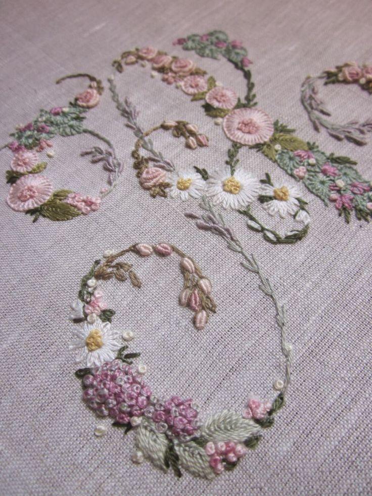 Elizabeth Hand embroidery: I. Of Inspiration Magazine. To faint!