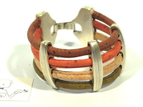 Statement bracelet in cork Cozy Detailz * cork jewelery * cork gift * woman handmade bracelet * cork bangle * cork cuff * bracelet for women #madetoorder #silver