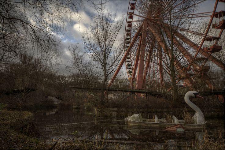Галерея: Заброшенные парки развлечений