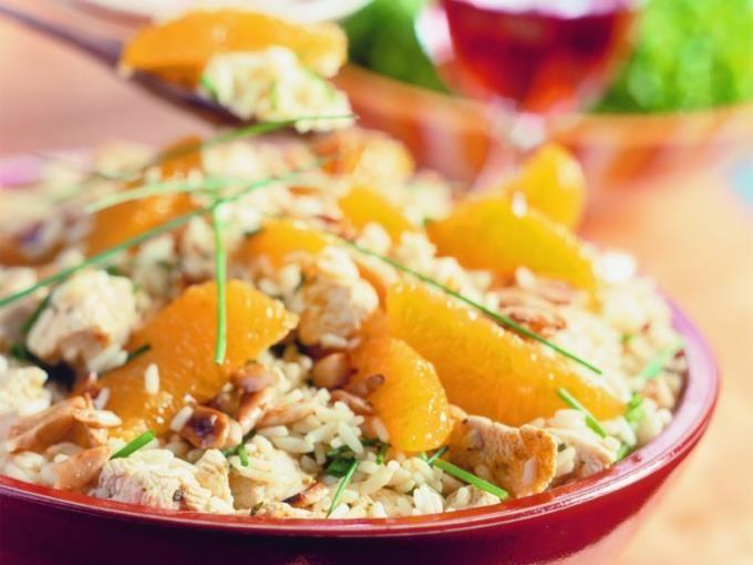 Menu van de dag - rijstsalade met sinaasappel en kip
