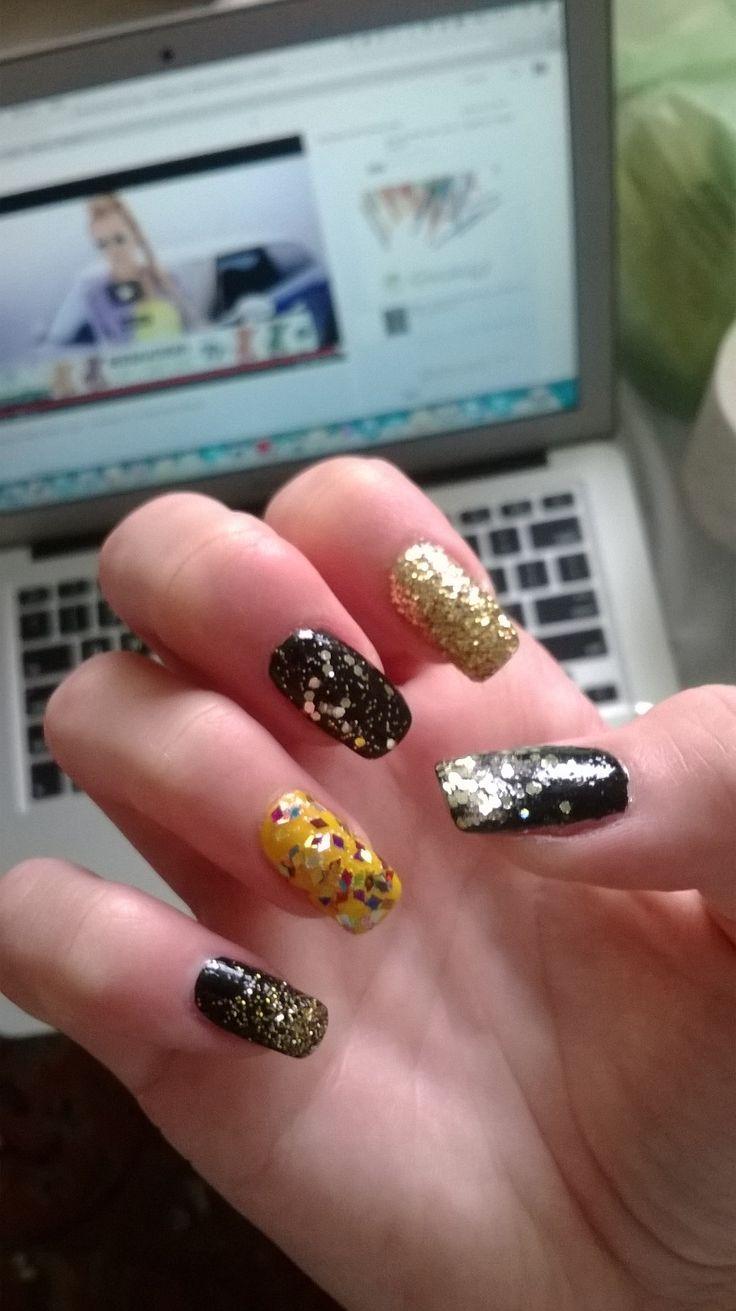 glitter everywhere :D