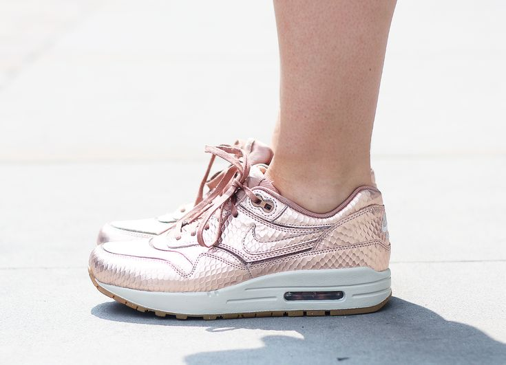 newest f07cf af4b3 ... Threads Styling Nike Air Max 1 Cut Out Premium Rose Gold   My Style    Pinterest