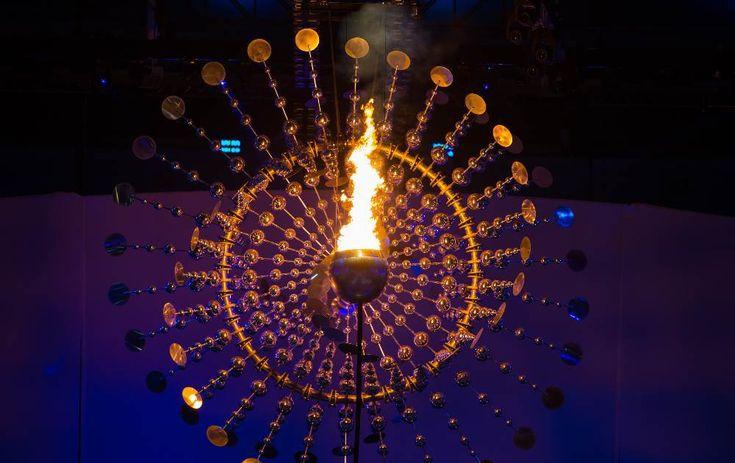 Conheça a escultura que gira em volta da pira olímpica da Rio 2016
