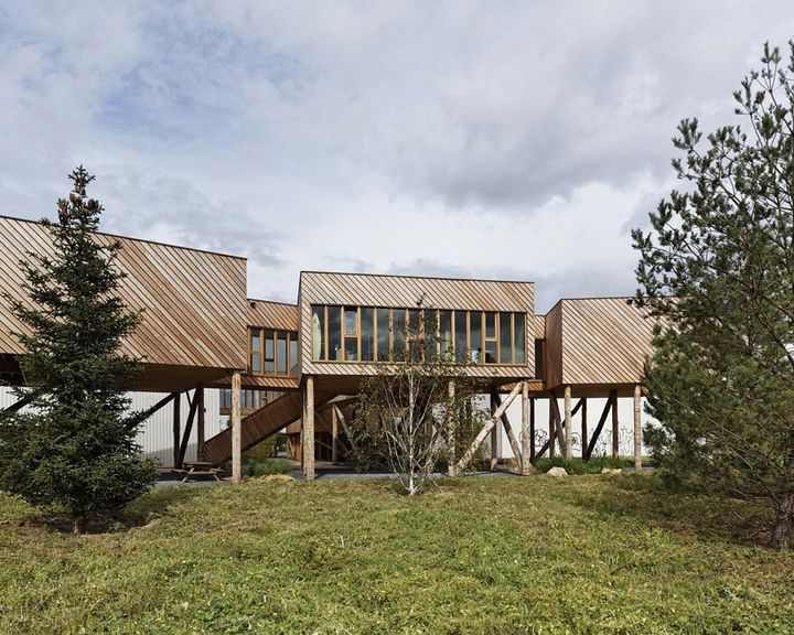 http://www.architecturelover.com/2012/08/branched-offices-by-projectiles/