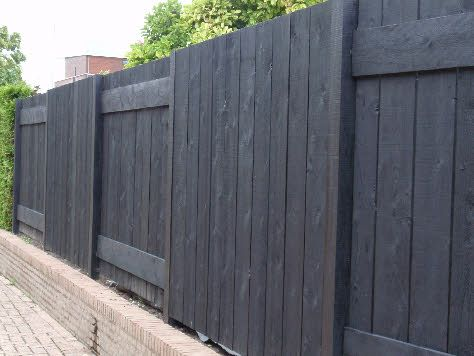 Meer dan 1000 idee n over schutting tuin op pinterest omheining schutting en tuinieren - Planken zwarte ...