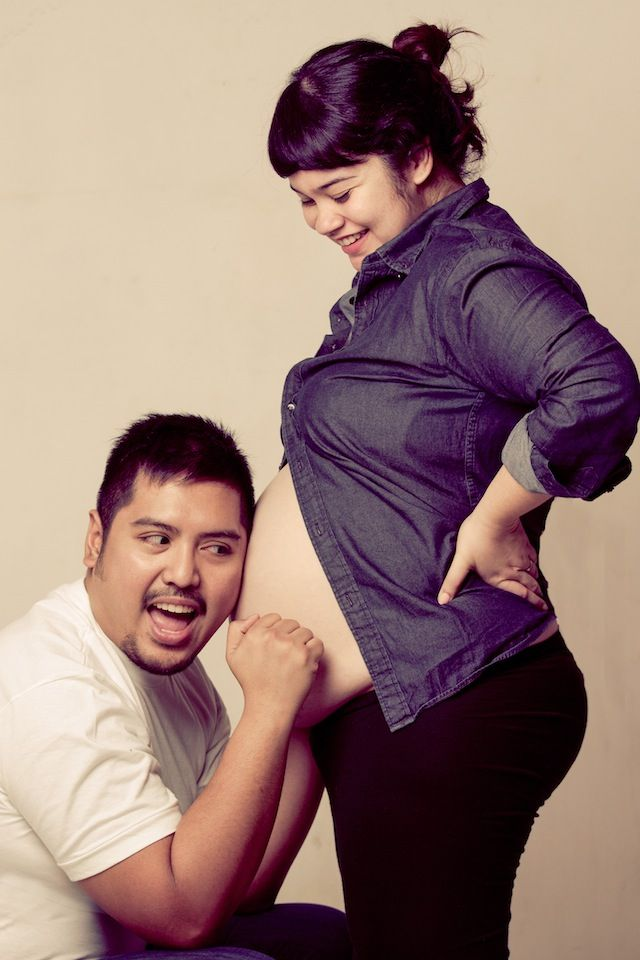 Maternity photo: Knock knock, anyone home? #maternity #pregnancy #photography