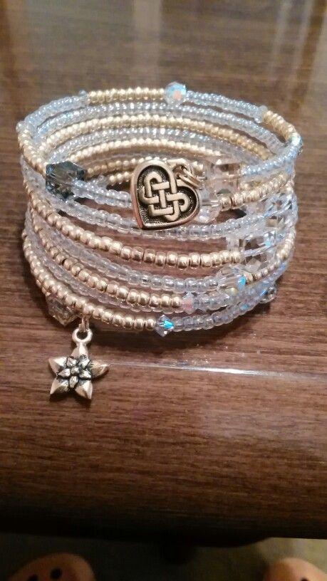Náramok gold, crystal AB TOHO korálky a Swarovski  korálky 2016/memory wire bracelet