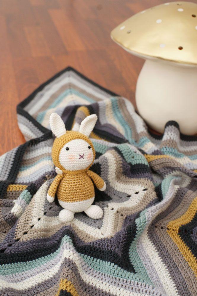 Petite Baby Blanket étoile, pour essayer d'écumer mon stock de  pelotes seules! Bien sur j'ai du en racheter ;-)   Réalisée à part...