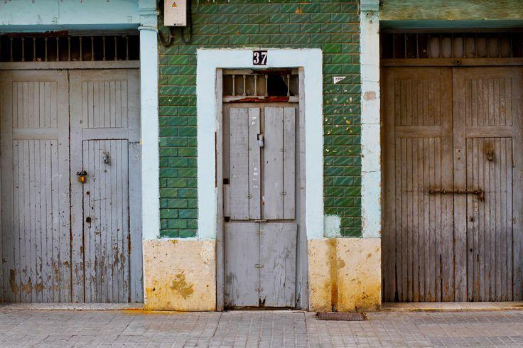 3 doors   photography: studio twinss