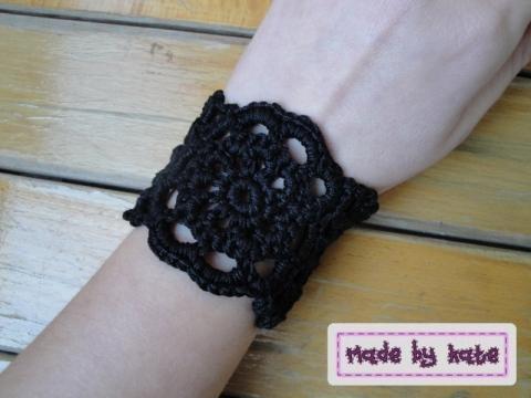 braccialetto nero pdf http://www.ravelry.com/patterns/library/julie-cuff