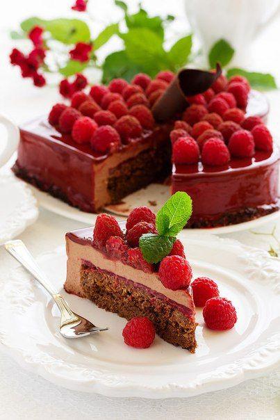 Шоколадно-малиновый торт