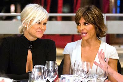 Yolanda Foster And Lisa Rinna Get Into A Heated Twitter Battle Over Bella And Anwar's Lyme Disease Diagnosis!