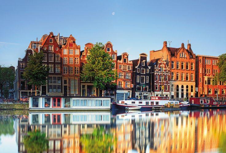 今週の #フライデーポストカード は、 #アムステルダム の美しい街並みです。運河を巡るクルーズでは、この素晴らしい街を心ゆくまで堪能できます。 http://clubtravelerjapan.com/where-go/canals-amsterdam