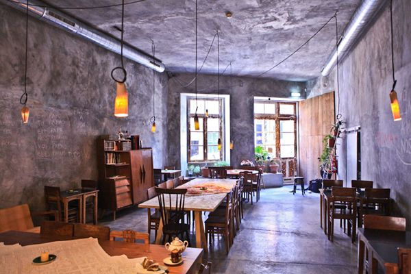 Miss'Opo is a bar, guesthouse, shop and restaurant in one. It's located in Portugal