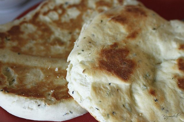 Homemade naanbrood