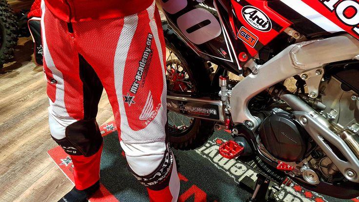 Some special air breathing race pants! Neue Air Flow MX pants! #mxacademy #honda #racing #airflow