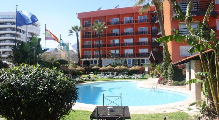 Tropicana Torremolinos Located in central Torremolinos's Paseo de la Carihuela Seafront Promenade, this hotel has a private beach club, an outdoor swimming pool and air-conditioned rooms with satellite TV.  All of the rooms have a fridge, ceiling fan and a rental safe.