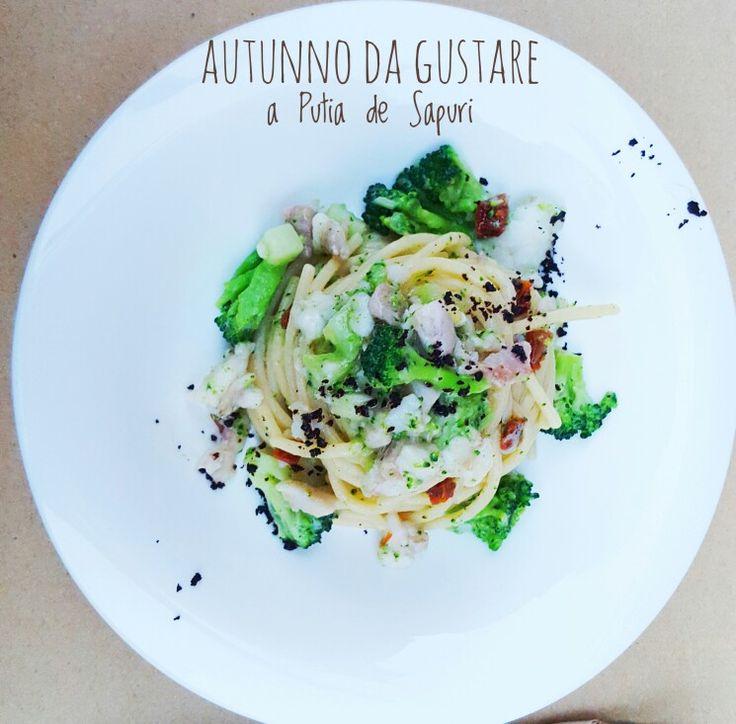 Spaghetti di grano duro Mancini con ragù di cernia, broccoletti, pomodori secchi e olive nere