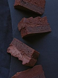 chocolate mousse cake - donna hay