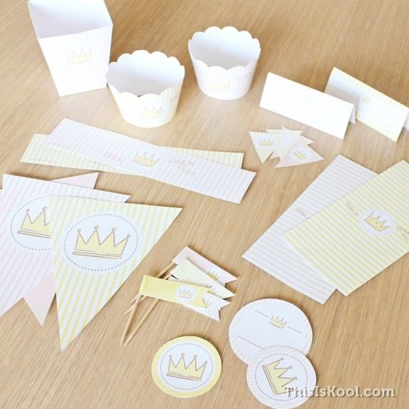 """KIT de fiesta - """"REINA"""" con todo lo necesario para  decorar todos los detalles de la fiesta."""
