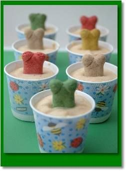 Frozen Peanut Butter Dog Treats (for the dogs....not people food!) Lol   http://jennicasalittlebitofeverything.blogspot.com/2012/07/easy-frozen-dog-treats.html