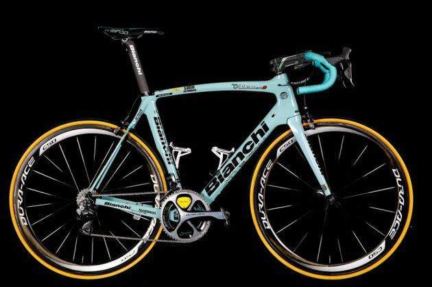 #Bianchi unveils all-celeste 2015 bikes for #LottoNLJumbo! New team taking over from #Belkin will continue on #Bianchi bikes in 2015, but without the dodgy paint job!