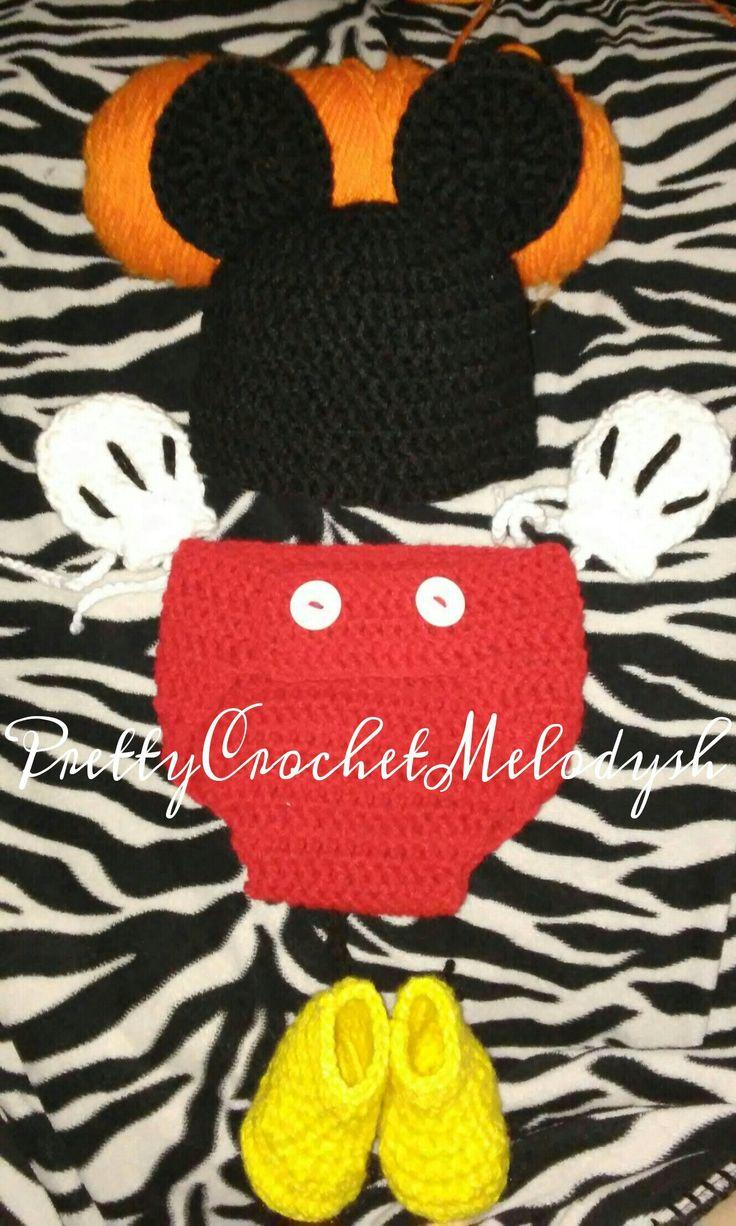 Mickey mouse crochet set