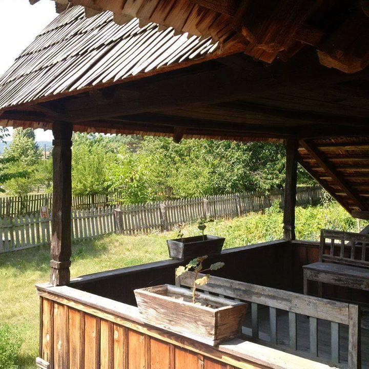 Time to relax on the porch. Who's coming? Muzeul Satului Valcean - Valcea Village Museum