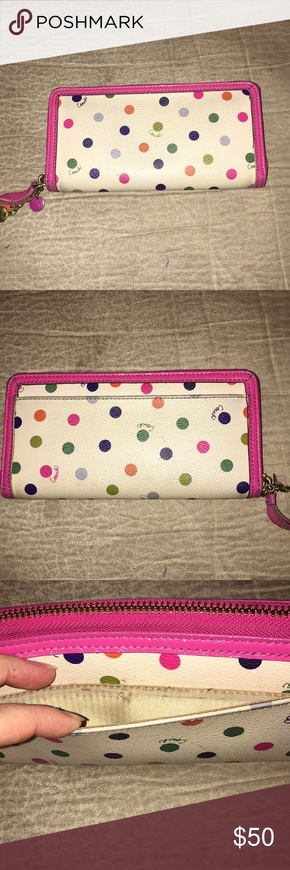 💗Coach Wallet💗 💗Coach Wallet💗 Accordion style, zip around Wallet. Overall the wallet is in great condition- it does show some signs of wear around the edges and top of the wallet. It has plenty of life left! It has 14 card slots and 6 money size slots. It comes from a smoke free home. Coach Bags Wallets