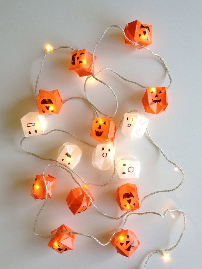 DIY Origami Halloween Lights via @followcharlotte