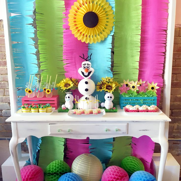 Frozen Fever dessert table
