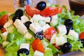 Салат греческий с брынзой