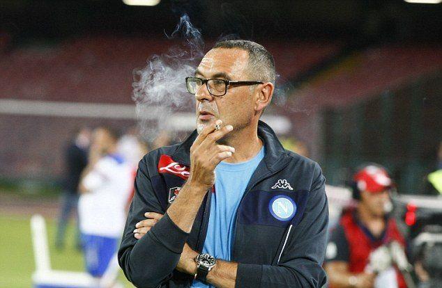 Pemain legendaris dunia, Diego Maradona, mengatakan permintaan maafnya kepada Maurizio Sarri yg adalah pelatih Napoli.