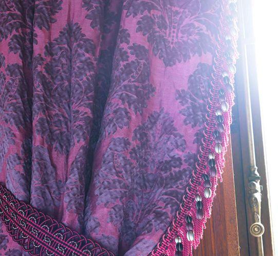 collection daphnis damas coordonn au tissu d lia. Black Bedroom Furniture Sets. Home Design Ideas