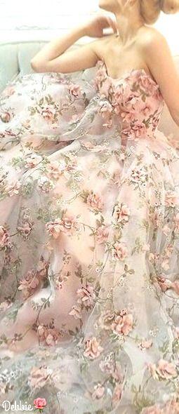 Vera Wang 3D wedding gown