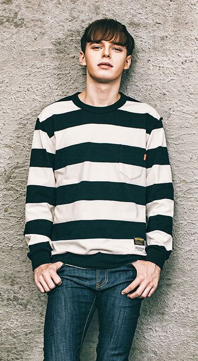 스트라이프 패턴의 포켓 맨투맨 티셔츠 183cm / 73kg / XL size