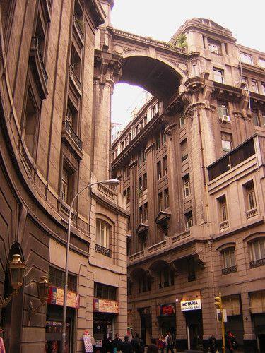 Edificio en Pasaje Phillips..no se su nombre. Santiago, Chile.