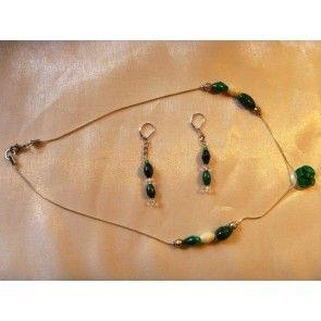 Malachite rose pendant w bone necklace, 52cm