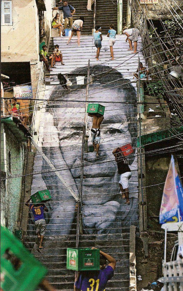 Intervenciones urbanas. Artistas callejeros en el espacio público.