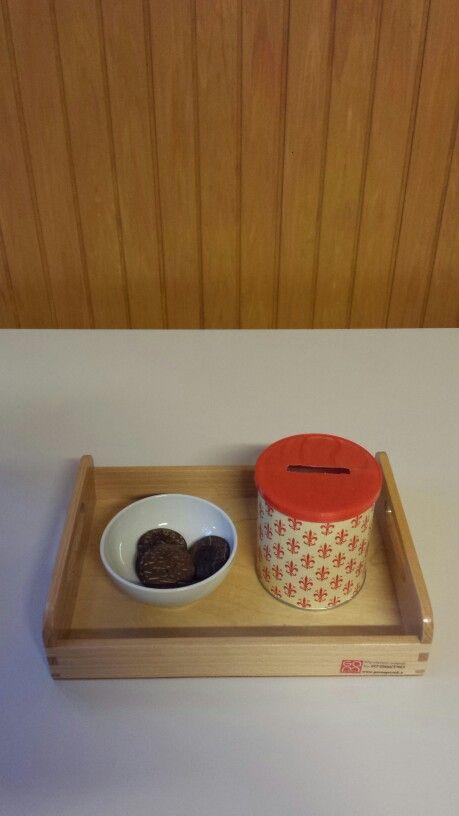 I miei vassoi ♡: inserire gettoni in un barattolo #montessori