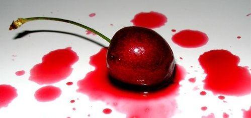 nettoyer une tache de fruits rouges sur le tissu fruits rouges tache et les tissus. Black Bedroom Furniture Sets. Home Design Ideas