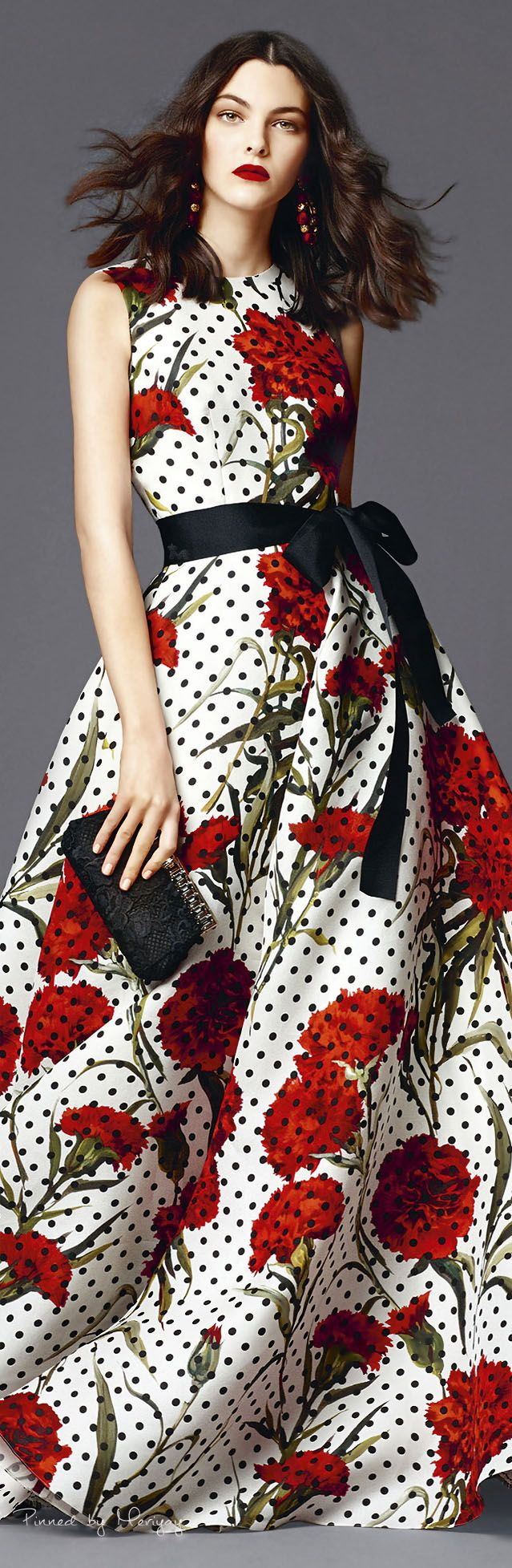 Dolce & Gabbana, 2015 If these were poppies, I'd absolutely love this dress. Still love the colors and dots.