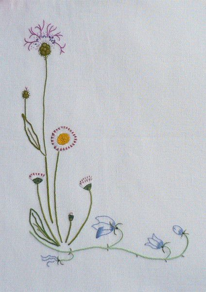 Field flowers alphabet - L – French Needlework Kits, Cross Stitch, Embroidery, Sophie Digard – The French Needle