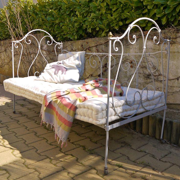 lit de jardin en fer forg dr me proven ale pinterest. Black Bedroom Furniture Sets. Home Design Ideas
