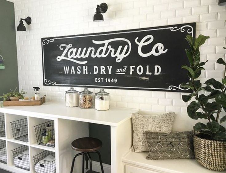 A farmhouse laundry room to dream of!