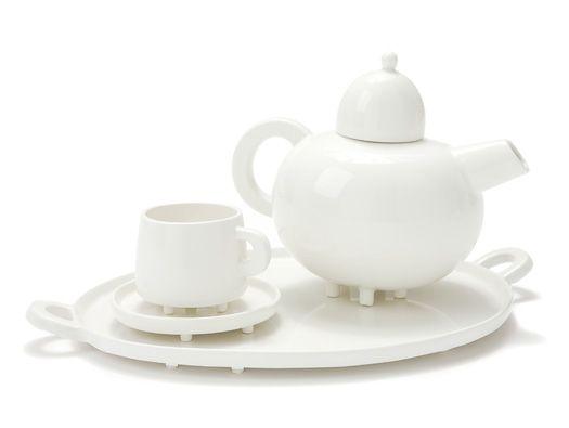 Haphazard Harmony Tableware by Maarten Baas