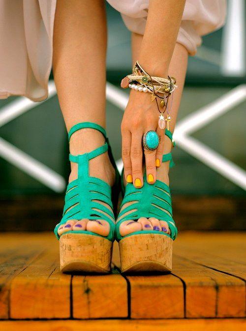 La combinación de accesorios menta con dorado nos fascina! #accesories #mint