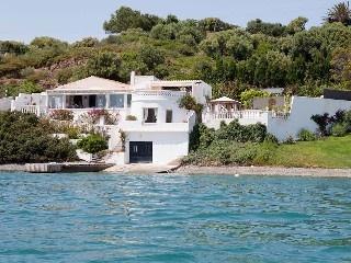 Lujo, aislado, casa frente al mar con piscina, barco de motor y las impresionantes vistas Alquiler de vacaciones en Sant Antoni de @homeaway! #vacation #rental #travel #homeaway